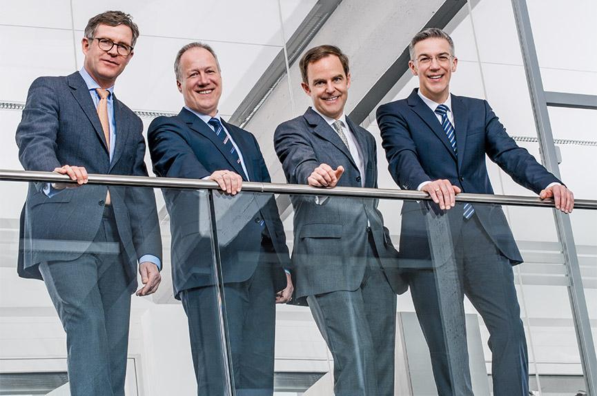 Die Unternehmensleitung der Böllhoff Gruppe (v.l.n.r. Wilhelm A. Böllhoff, Dr. Carsten Löffler, Michael W. Böllhoff, Dr. Jens Bunte)