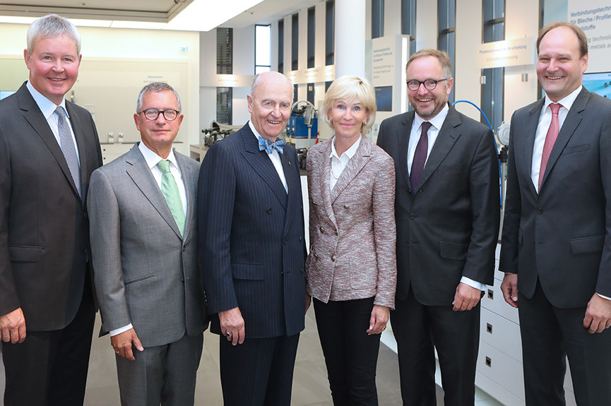 (from left) Peter Steinbeck, Dr. Wolfgang Bommes, Dr. Wolfgang W. Böllhoff,  Christiane Messinger-Frieling, Christian G. Böllhoff and Dr. Markus Miele (chairman)